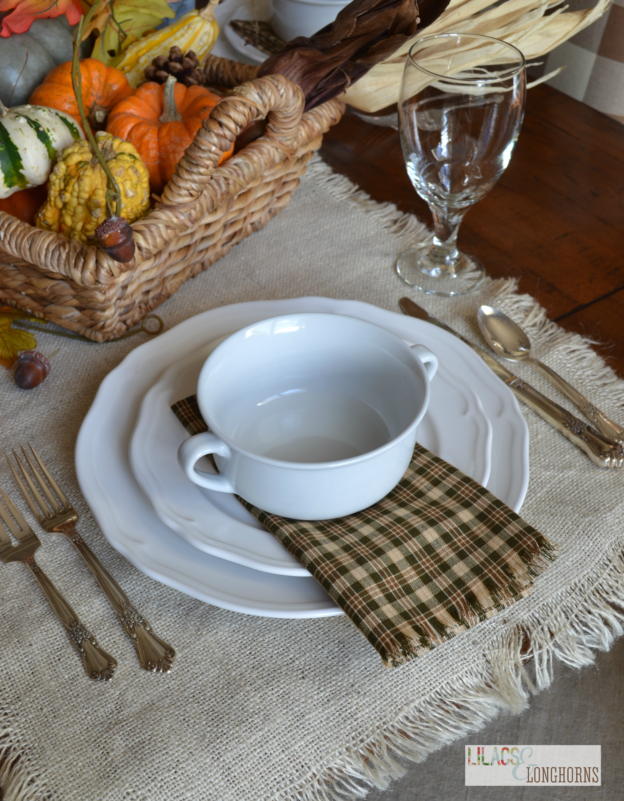 Beautiful place setting - Finding Home Change colors and type of foliage for each holiday, Beautiful Fall place setting with galvanized gather tags. 26 Lovely Thanksgiving Table Decor and Place Setting Ideas Neutral Place setting with kraft paper, striped napkins, and feathers. A Simple, Yet Beautiful Thanksgiving Setup — STUDIO MCGEE See more.