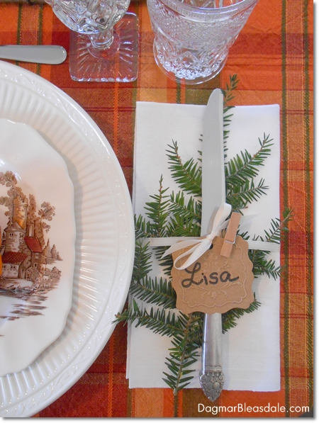 easyThanksgiving table setting with vintage items