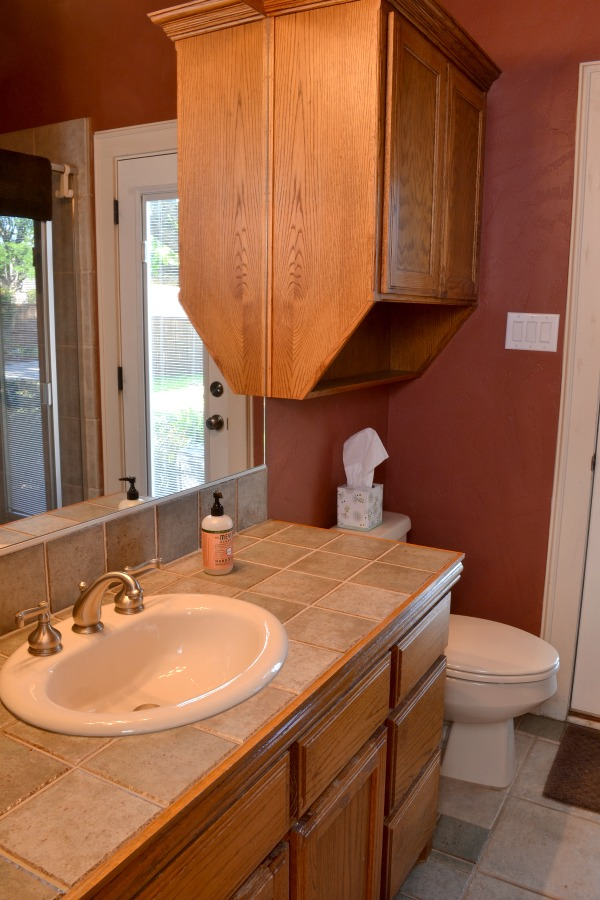 Ugly red bathroom update one room challenge lilacs and for Updated bathrooms 2016