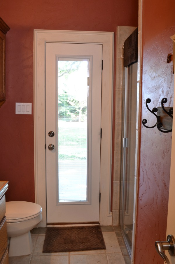 Ugly Red Bathroom Update One Room Challenge Lilacs And