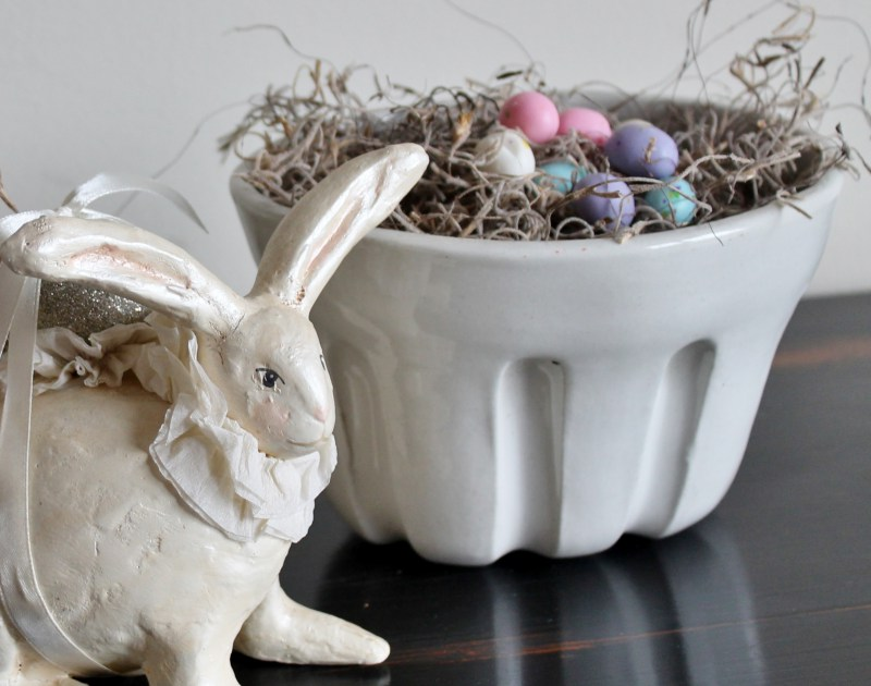 ironstone-basket-with-bunny