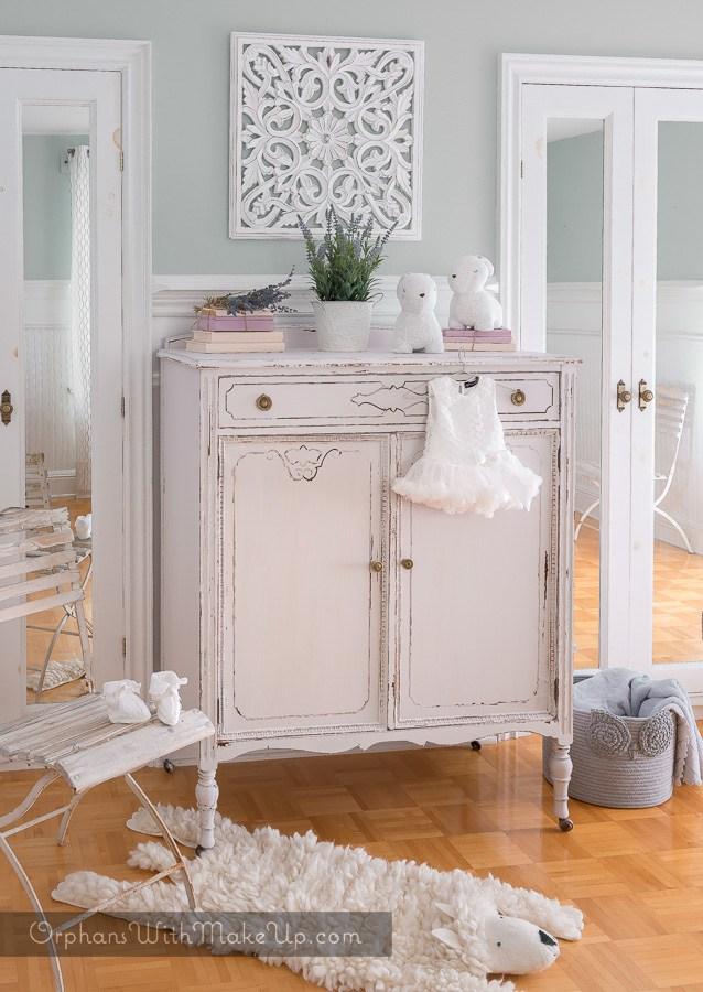 nursery dresser makeover